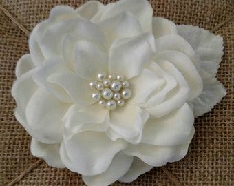 Bridal Ivory cream gardenia flower hair clip pearls velvet leaves wedding accessories