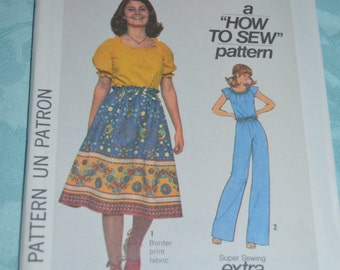 Simplicity 7862  Junior Teens Skirt Pants and Pullover Blouse  Sewing Pattern - UNCUT - Size 5/6 or Size 7/9 or  Size 9/10 or SIze 11/12