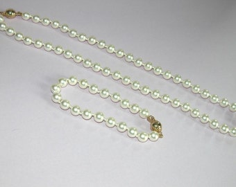 Beautiful Quality Swarovski Pearl Necklace and Bracelet Set