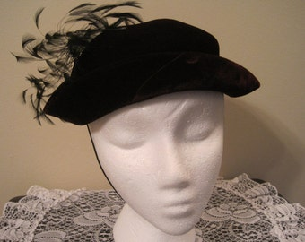 Vintage Hat With Feathers 1930,s