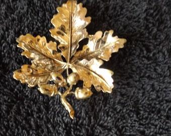 Vintage Silvertone Leaf Brooch  Pin CL20-19