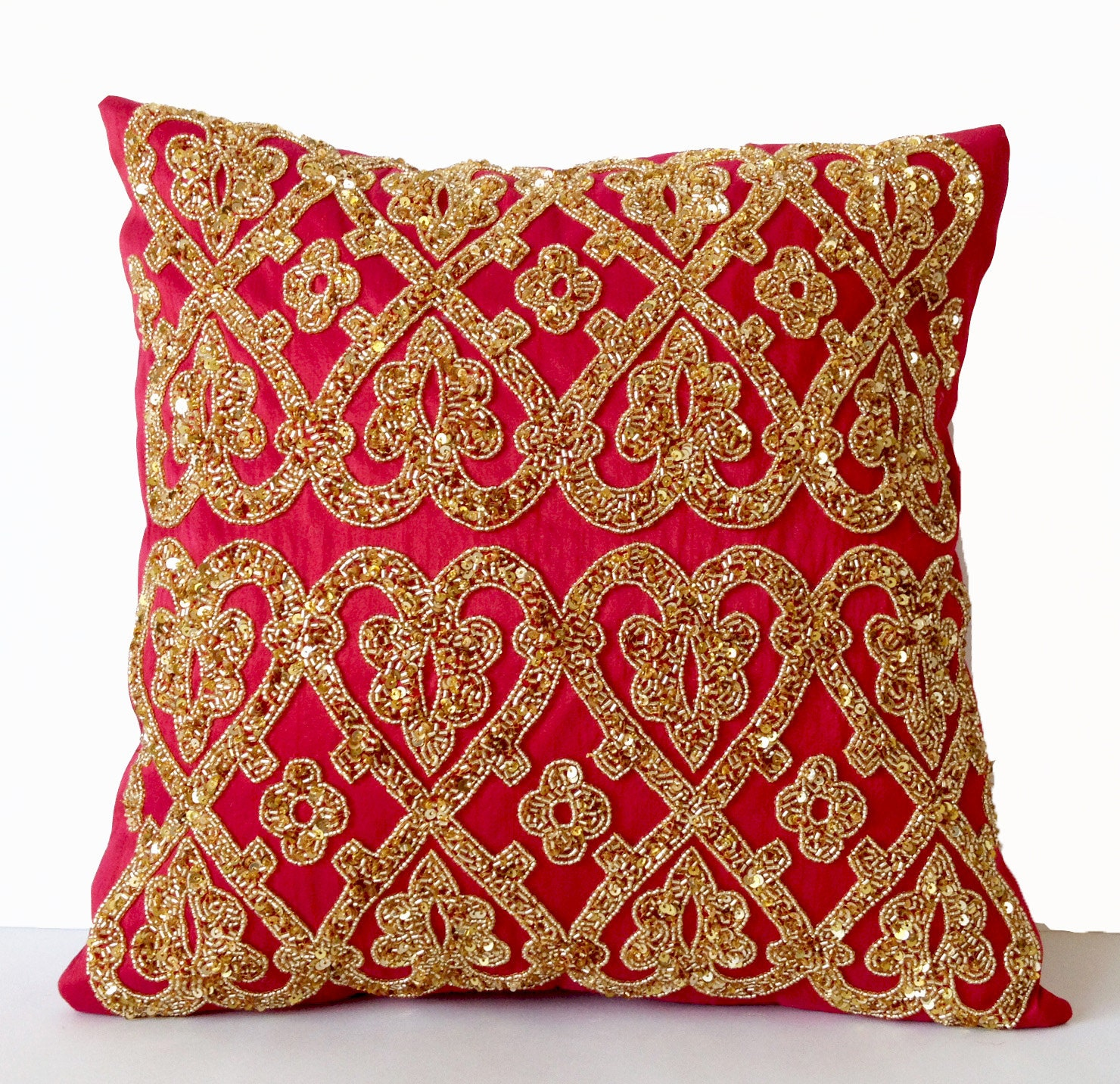 decorative pillow hot pink pillow fuchsia pillow gold. Black Bedroom Furniture Sets. Home Design Ideas