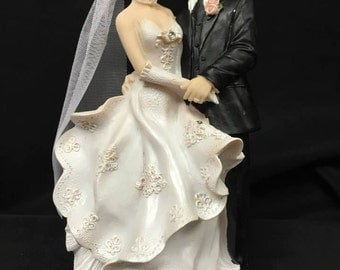 Bride and Groom Classic Wedding Cake Topper Centerpiece Decoration