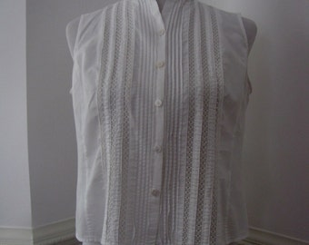 Vintage White Lace Sleeveless Blouse. Victorian Style. Size S-M