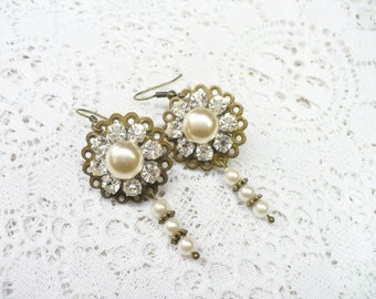 Vintage Ivory/Champagne Pearl/RHINESTONE Earrings - vintage WEDDING - Faux Pearl Dangles - bronze tone accents - Pierced - Double Sided