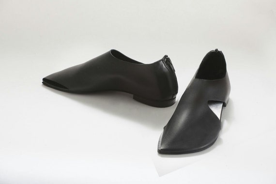 pointy shoes leather shoes shoes sandals black
