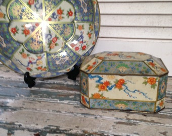 Daher Decorated Ware Bowl and Matching Hinged Tea Tin, Oriental theme, singing bird, blue, white, and orange