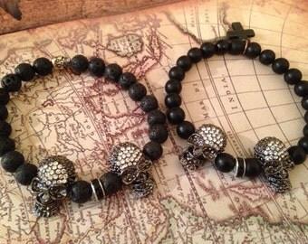 Skull bracelet with 2 skulls