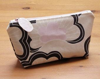 Wipe clean make-up bag | Matt laminated cotton | Wipeable lining | Custom zip pull | Choose zip colour