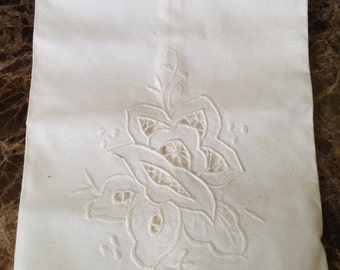 """Vintage Linen Hand or Tea Towel // 10.5x13.5"""" drawn cut work embroidery white"""