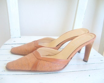 womens pointy shoes italian/Vintage Italian stiletto shoes / vero cuoıo scarpa / Milky brown stiletto / vintage leather woman shoe