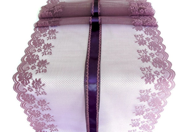 runner tabe  Lavender wedding table runner runner Deep table  lavender overly  lace table lace