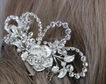 Silver Flower and Rhinestone Bridal Comb/ Wedding/