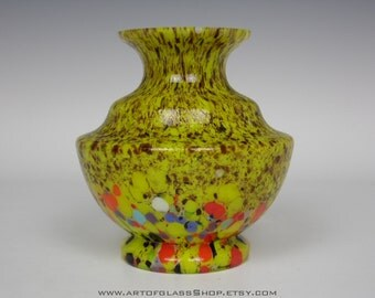 Art Deco 1930s Bohemian yellow spatter vintage glass vase