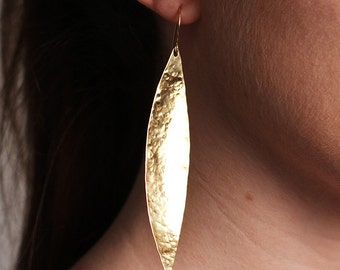 E0580 Hammered Brass Skinny Marquis Earrings