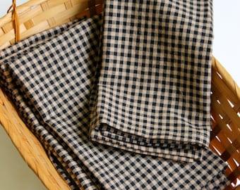 Set of 4, Black and tan check  cloth napkins,   dinner napkins, reusable napkins,farmhouse style table, rustic country napkins
