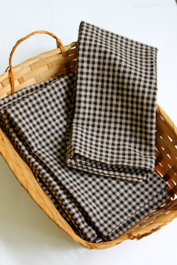Set of 4, Black and tan check  cloth napkins,   dinner napkins, reusable napkins,farmhouse style table, rustic country napkins