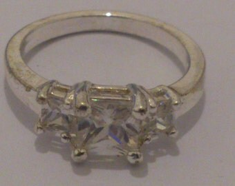 vintage sterling silver three stone cubic zirconia ring