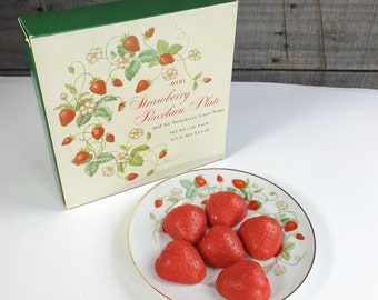 Vintage Avon Strawberry Porcelain Plate Soap Dish w/ Red Guest Soaps in Original Box 1978 22K Gold Trim
