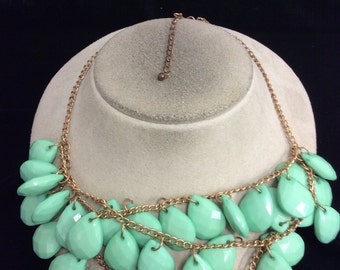 Vintage Chunky Green Necklace