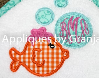 Personalized Appliqued Hooded Baby Bath Towel With Girly Fish and Monogram with Bath Mitt