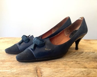 1960s Navy Leather and Suede Kitten Heels