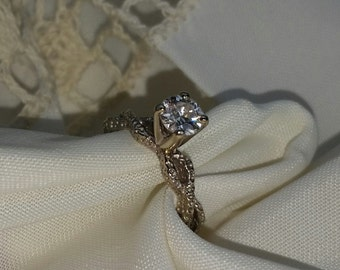 Lady's engagement style ring