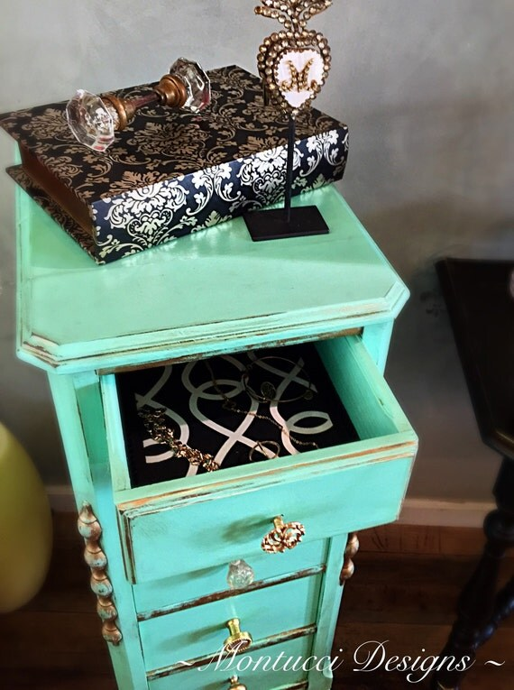 Lingeriejewelry chest for Lingerie and jewelry chest