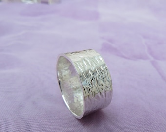 Sterling Silver Ring Size 'V' (10 5/8)  (6)