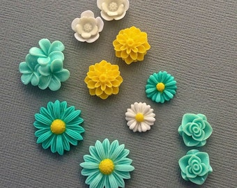 11 resin cabochon flowers ,assorted sizes,#FL090