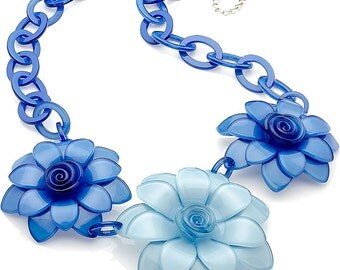 New huge chunky blue tone flower acrylic resin fashion costume necklace with silver plated chain