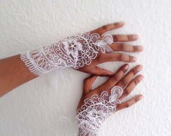 White lace fingerless gloves, wedding fingerless gloves, bridal lace gloves, tie up gloves, bridal fingerless loop gloves bridal gloves