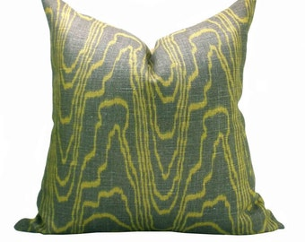 Kelly Wearstler Agate pillow cover in Taupe/Gold