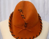 25% Summer Sale Now On 1960s Edna Wallace Felt Hat