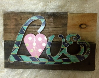 Small reclaimed wood love sign