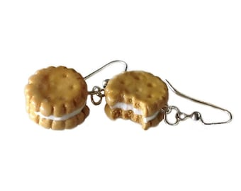 Vanilla Sandwiched Biscuit Earrings