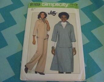 Simplicity Jiffy 8169  Sewing Pattern Tunic Top Skirt Slacks Sz 10 UNCUT