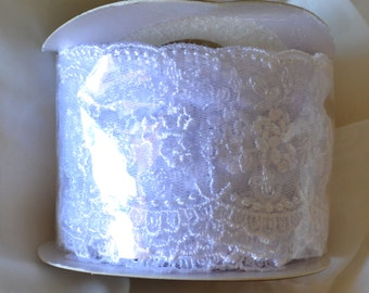 """Double Scalloped Edge Embroidered Lace - 1-3/4"""" - White - 9 Foot Spool"""