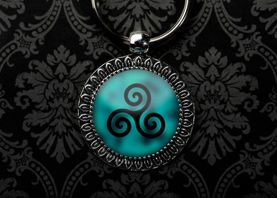Triskelion Keychain, Triskelion Necklace, Teen Wolf Necklace, Teen Wolf Keychain, Teen Wolf Fan, Teen Wolf Show, Teen Wolf Tattoo