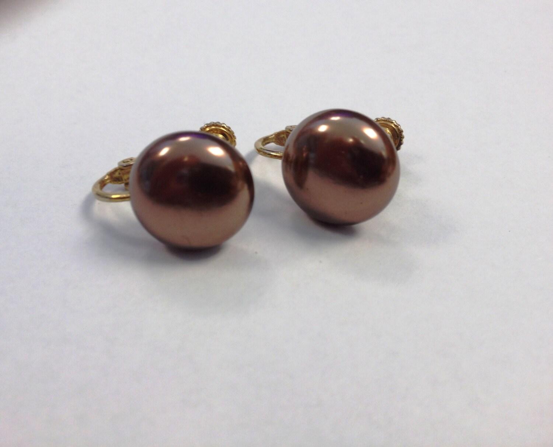 vintage pearl earrings clip on screw back brown pearl earrings. Black Bedroom Furniture Sets. Home Design Ideas