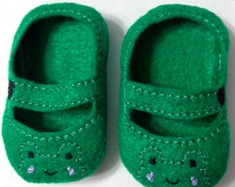 "Frog Mary Jane Shoes for 18"" Dolls Also fits American Dolls"