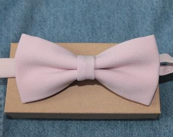 Pale pink bow tie / wedding bowtie / men women baby bow tie