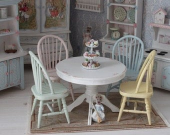 Table with 4 chairs for dollhouses. Scale 1 12