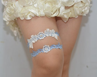 blue bridal garter, wedding garter, bride garter ,off white lace garter, something blue garter, rhinestone beaded floral garter