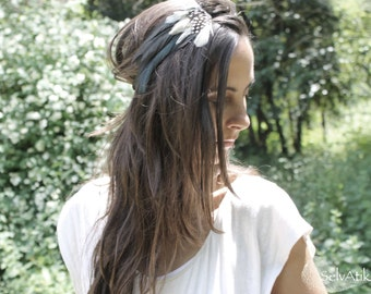 Green and white feathers diadem