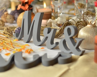 Middle Grey wedding signs for sweetheart table Mr & Mrs wooden letters phototography, prop photo prop ,sweetheart table ,MR MRS,Table sign