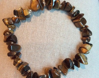Polished Tiger's Eye Stone Chip Bracelet