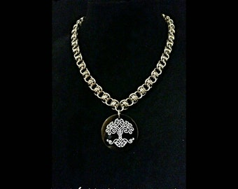 Chainmaille Agate Tree of Life necklace.