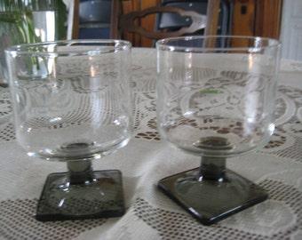 Set of 2 Vintage 4oz. juice glasses, Smokey Topaz feet