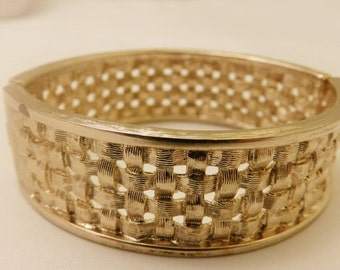 Gold Tone Basket Weave Textured Wide Cuff Hinged Bracelet, Vintage Jewelry